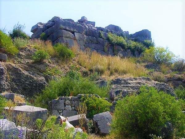 Xanthus, tomb of the Nereids, podium