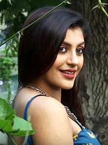 Yashika Aannand - Wikipedia