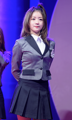 Yoon Bo-mi at Hosan University Festival, 6 October 2015.png