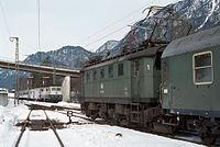 Zugkreuzung im Bahnhof Bischofswiesen.jpg