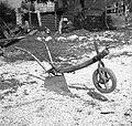 """""""Drevo"""" za oborvati (osipalnik za osipanje koruze in krompirja), Kal 31 pri Bovcu 1952.jpg"""