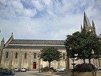 Église Saint-Pierre de Mortagne-sur-Sèvre.JPG