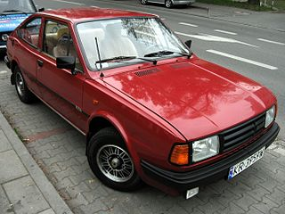 Škoda Rapid 136 5 speed in Kraków.jpg