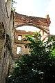 Руины замка Оболенских, арка.jpg