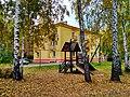 Трехэтажный дом на Кирова 5.jpg