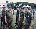 ליפקין שחק בטקס סיום בפנמ״צ, 1995.jpg