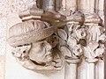 059 Generalitat, galeria gòtica, portal de l'Arxiu de Comptes.JPG