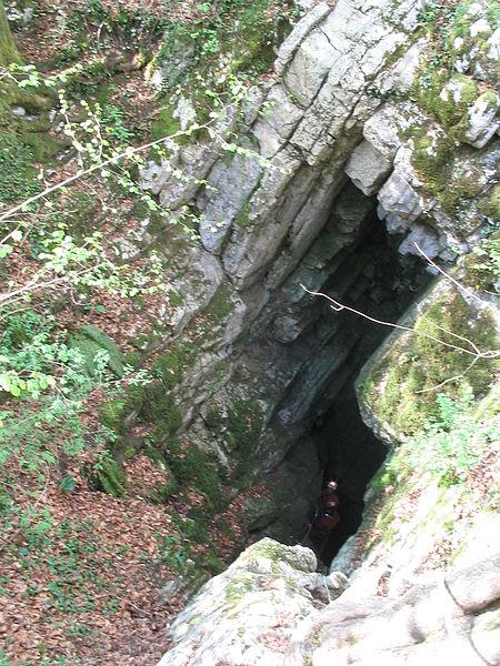 'Baume des Crêtes' cave (entrance), Deservillers, Doubs, Franche-Comté, France. Entrance to subterranean river Verneau