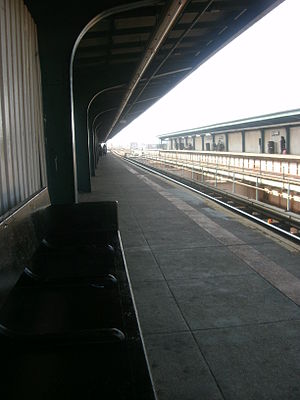 121st Street (BMT Jamaica Line) - Facing southbound from a bench on the northbound platform in March 2012 at the 121st Street station.