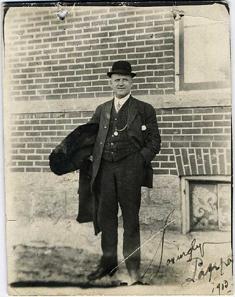 File:1913, March 9, Man wearing bowler hat, Winnipeg, MB, Canada.jpg