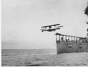 USS North Carolina (ACR-12) - Image: 1916 catapult sea plane
