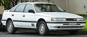 1990 Mazda 626 (GD Series 2) Eclipse 2.2i hatchback (2011-11-17) 01.jpg