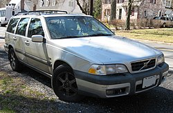 1st-Volvo-V70-XC-CrossCountry.jpg