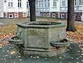 20091101120DR Meißen Freiheit 13 Brunnen in Fürstenschule St Afra.jpg