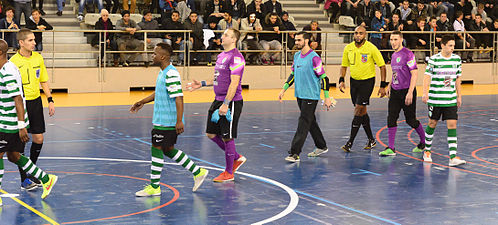 2015-02-28 17-35-40 futsal.jpg