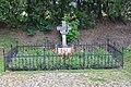 2017-07-17 GuentherZ Wien11 Zehngrafweg Soldatenfriedhof Cholerakreuz (1).jpg
