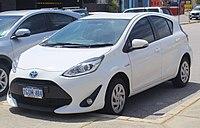 2018 Toyota Prius c (NHP10R) hatchback (2018-10-29) 01.jpg