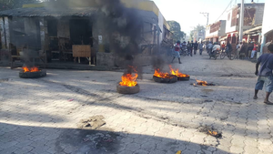 2019 Haitian protests tire fire.png