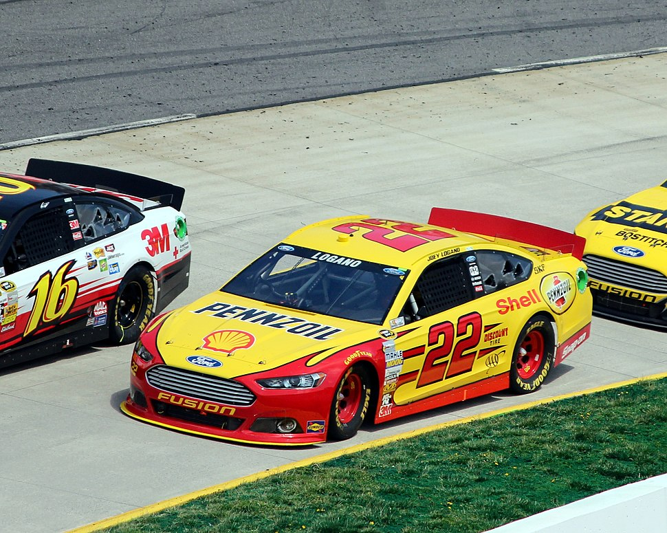22 Joey Logano, 2013 STP Gas Booster 500