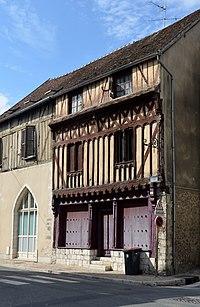 2 rue des Capucins a Provins DSC 0140 (Seine et Marne, France).jpg