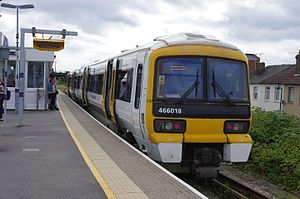 Medway Valley line - Image: 466018 at Strood
