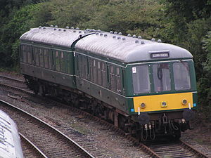British Rail Class 108 - Image: 50982 and 52054 at Bodmin