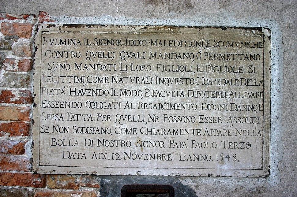 9403 - Venezia - Calle della Pietà - Lapide della ex ruota degli esposti -1548- - Foto Giovanni Dall'Orto 12-Aug-2007