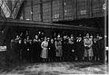 AHW Ankunft bulg Messegaeste Leipzig 1918-FW-2500-korrigiert.jpg