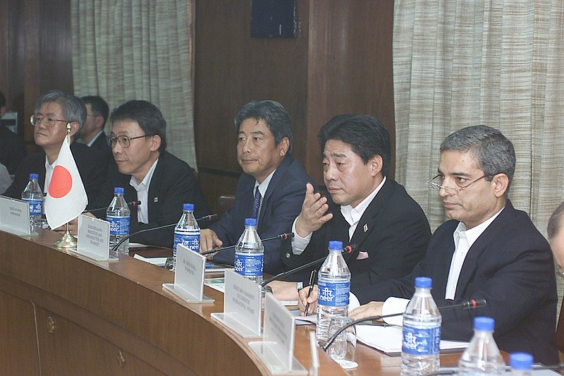 File:A Japanese delegation led by the Minister of Land, Infrastructure & Transport of Japan, Mr. Kazuo Kitagawa holding discussion with the Indian Railway delegation led by the Minister of Railways Shri Lalu Prasad in New Delhi.jpg