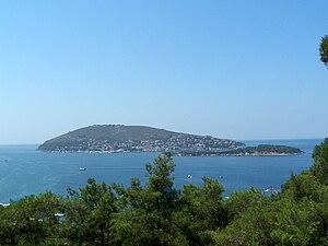Burgazada - Burgazada seen from Heybeliada