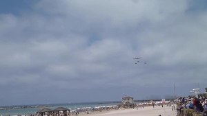 File:Air Force Fly By on Tel Aviv Beach P1140141.ogv