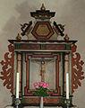 Akeback altare.jpg