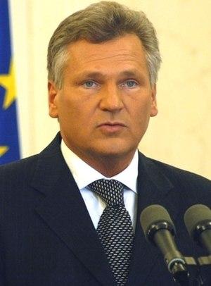 Aleksander Kwaśniewski - Image: Aleksander kwasniewski konferencja (cropped)