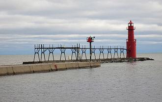 Algoma, Wisconsin - Image: Algoma Pierhead 2015.12