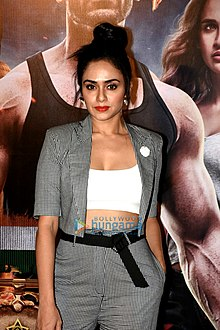 Amruta Khanvilkar graces the trailer launch of Satyameva Jayate (08).jpg