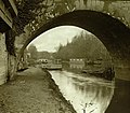 Arche de pont sur la Seine, pontons et péniches - Comte Henry de Lestrange - Ancien pont de Poissy.jpg