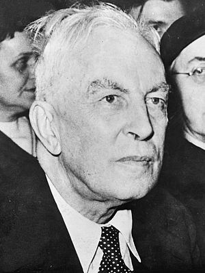 International Affairs (journal) - The historian Arnold J. Toynbee was a regular contributor in the early years of International Affairs