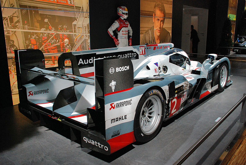 file audi r18 e tron quattro n 2 winner of the 2013 24h of le mans race jpg wikimedia commons. Black Bedroom Furniture Sets. Home Design Ideas