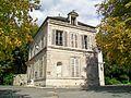 Auvers-sur-Oise (95), bibliothèque municipale, parc Van Gogh.jpg