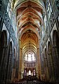 Auxerre Cathédrale St. Étienne Innen Langhaus Ost 3.jpg