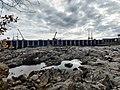 Aval du barrage du complexe hydroélectrique Rapide-7.jpg