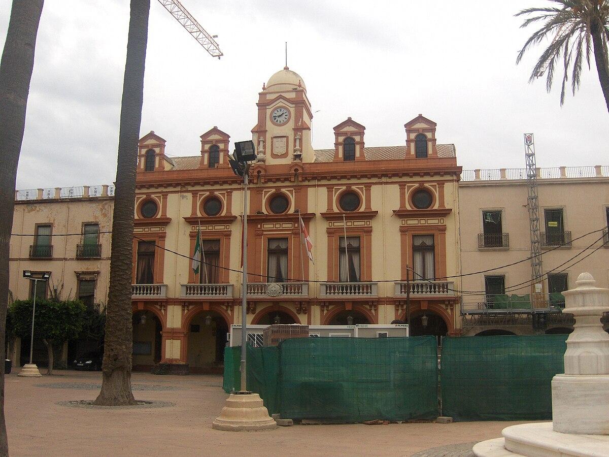 Plaza de la constituci n almer a wikipedia la for Plaza de garaje almeria