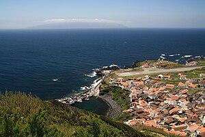 Vila do Corvo - Vila do Corvo, as seen from Portão lookout, including Aerodrome and settlement