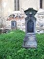 Běleč (KL), hroby.jpg