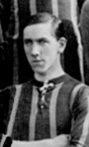 Bob McTavish (footballer) - McTavish while with Brentford 1912