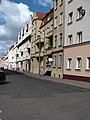 Beżowa kamienica z balkonami Mazurska 15 po renowacji.jpg
