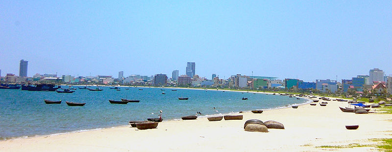 Tập tin:Beach of Da Nang, inner-gulf.jpg