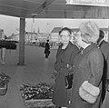 Beatrix en Claus en auto bij RAI, koningin Juliana bij RAI, Bestanddeelnr 918-8680.jpg