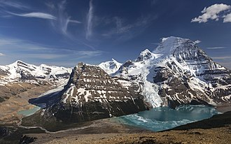 Rainbow Range (Rocky Mountains) - Lynx Mountain, Rearguard Mountain, Resplendent Mountain, Mount Robson, and Berg Lake
