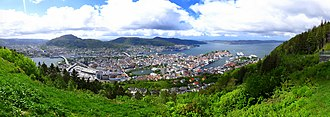 Fløyen - Image: Bergen panoramic photograph taken from Fløyen mountain